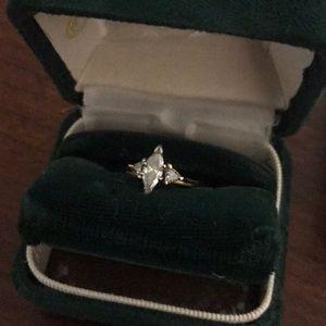 Ladies 14k yellow gold diamond engagement ring